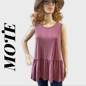 MOTE Berry  Sleeveless top with ruffle detail